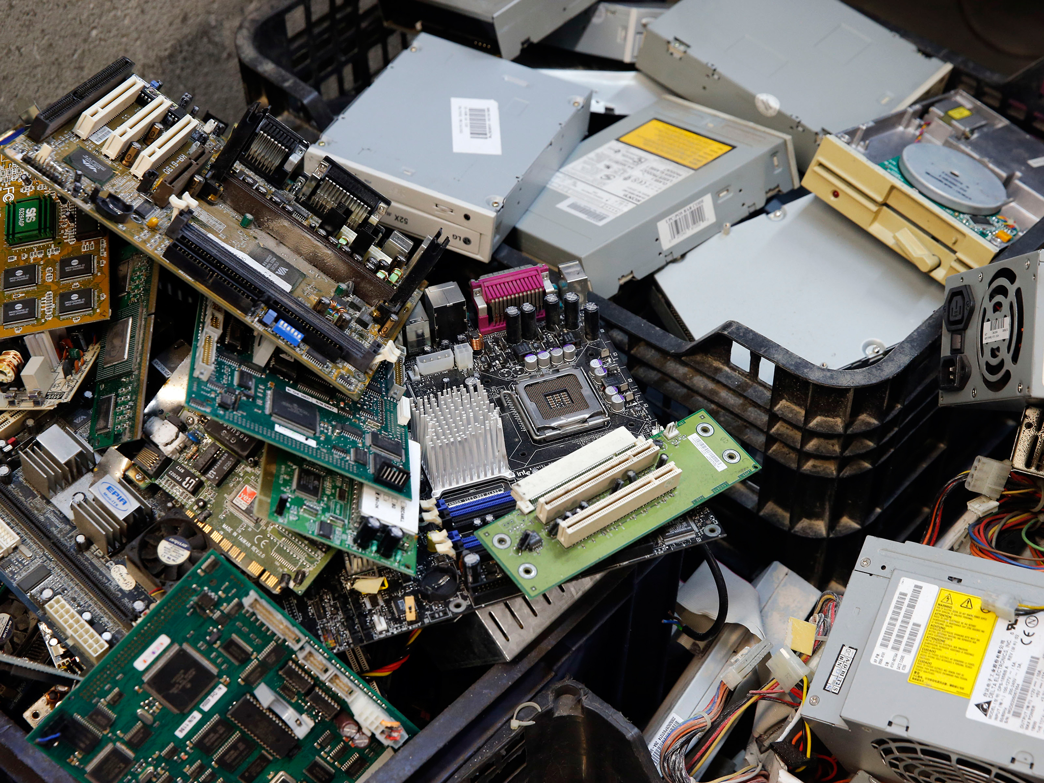 Used It Equipment Buyers Electronics Recycling Companies We Buy Cell Phone Circuit Boards Motherboards Lot Of 9 Escrap Supplies For Excess Centers Electronic Components Sale Sell Arizona