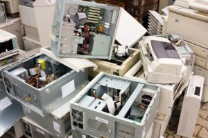 The Dangers of E-Waste for the Planet's Health and Ours